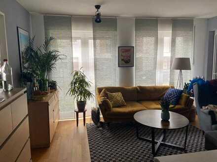 Stilvolle 2-Zimmer-Erdgeschosswohnung mit Balkon und EBK in Braunsfeld, Köln
