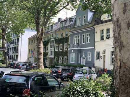Wunderschöne, modernisierte 3-Zimmer-Wohnung, EBK und Balkon in Alt-Oberkassel