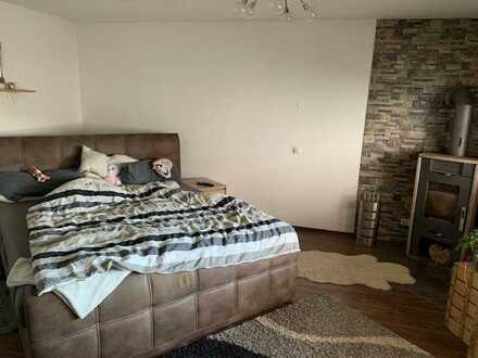 Preiswerte, neuwertige 5-Zimmer-Wohnung mit EBK in Hermersberg