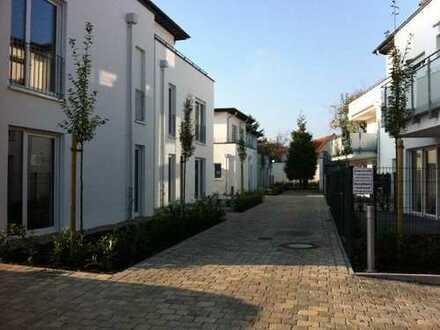 OG-Wohnung in exklusiver Stadtvilla am Deichort