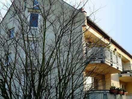 Solide Kapitalanlage! Ruhige 2-Zimmer-Eigentumswohnung mit Balkon in grüner Lage in Falkensee