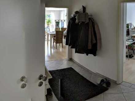 Sehr gepflegte 3-Zimmer-Erdgeschosswohnung mit Terrasse und Einbauküche in Bielefeld