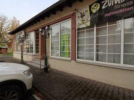 Schönes Geschäft mit großer Schaufensterfront in attraktiver Lage
