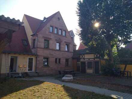 Gepflegte Wohnung mit drei Zimmern in Fürth