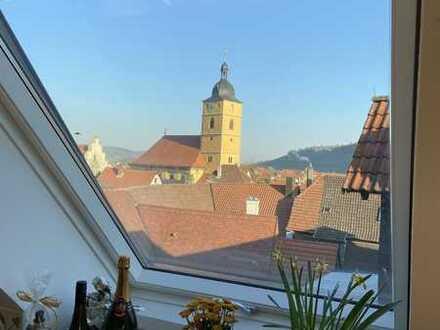 Wunderschöne Dachgeschosswohnung mit riesiger Dachterrasse vor den Toren Würzburgs