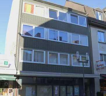 Fischerstraße: Ladenlokal in belebter Fußgängerzone