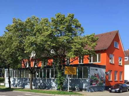 Charmantes gepflegtes Altbau-Geschäftsgebäude in zentraler Lage