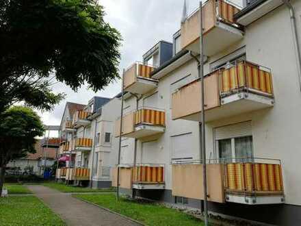 IMA-Immobilien bietet eine 3 Zimmer Wohnung mit Balkon und TG