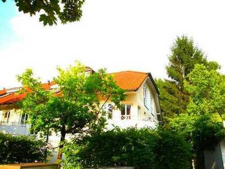 Ruhige, sonnige 3-Zimmer-Wohnung Villenlage Waldfriedhof, Parkettboden, 2 Balkone
