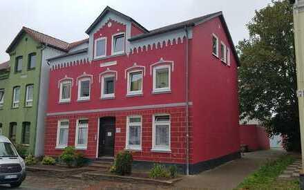 solides Mehrfamilienhaus
