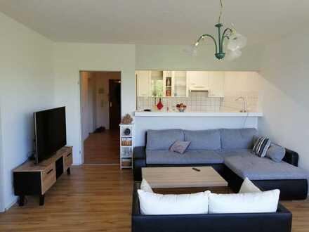 Helle 2-Zimmer-Wohnung mit Winterbalkon und Küche in Meersburg