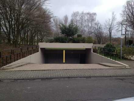 *Tiefgaragenstellplatz in Lörick*