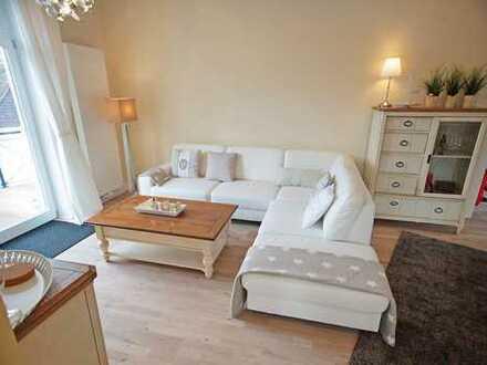 Möblierte 2 Zi.-DG-Wohnung m. gr. Westbalkon in san. Altbauvilla in B.O. Zentrum