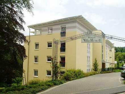 """Gepflegte 2-Zimmer-Senioren-Wohnung mit Wintergarten in der """"Villa Heuell""""!"""