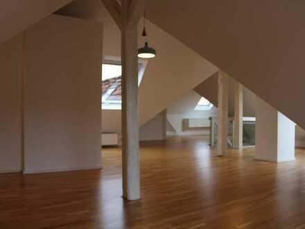 Traumhafte Wohnung über den Dächern der Karlsruher Weststadt