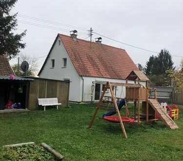 Schönes Einfamilienhaus mit vier Zimmern in Augsburg, Lechhausen