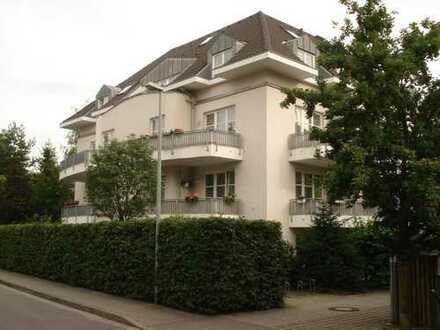 3-Zimmer-Dachgeschoss-Maisonettewohnung mit Terrasse DD-Klotzsche