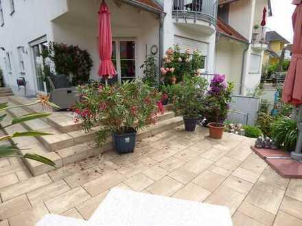 Großzügige 2 1/2-Zimmer-Wohnung mit Terrasse und Garten in Memmingen