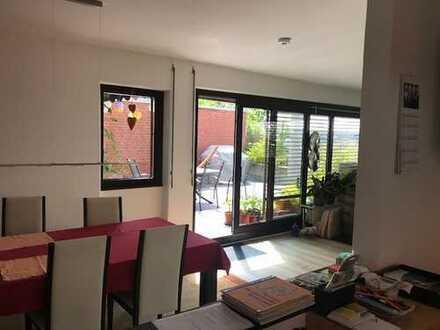 helle Terrassenwohnung mit vier Zimmern in Bovenden