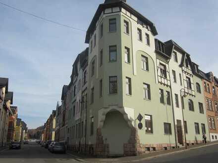 ZWANGSVERSTEIGERUNG - Komplettes Erdgeschoss mit 2 großzügigen Gewerbeeinheiten in saniertem Altbau