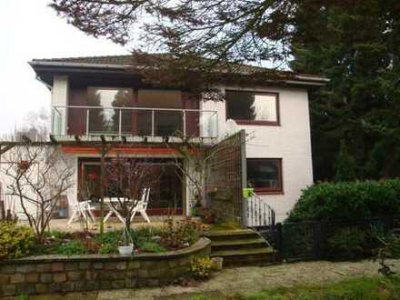 *Lurup* großzügiges 2-Fam-Haus, Wohnfl. ca. 250 m², Schwimmbad ca. 60 m², 8 Zimm., Grundst. 905 m²