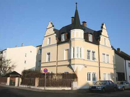 Teilmöbliertes Dach-Appartement Nähe Hbf