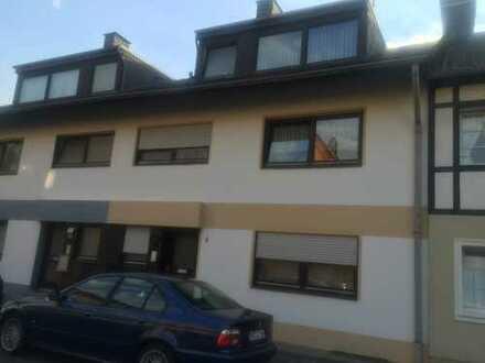 Großzügiges gepflegtes Haus mit 7 Zimmern in Bonn-Beuel-Schwarzrheindorf Nähe Doppelkirche und Rhein