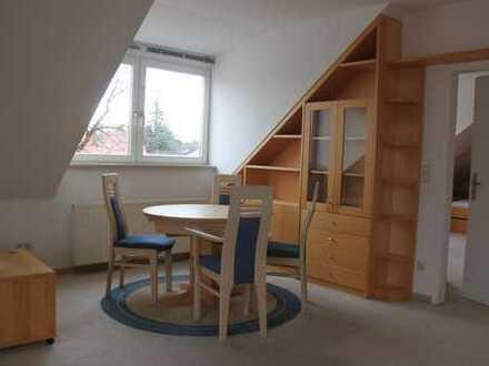 Helle 2-Zimmer DG-Wohnung in ruhiger Lage möbliert kurzfristig zu vermieten
