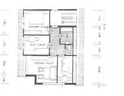 Nette Dreizimmerwohnung im Dachgeschoss