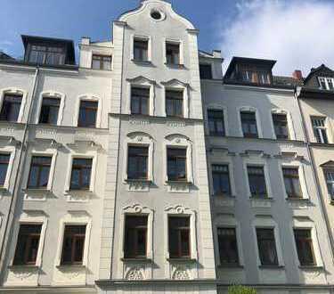 schön geschnittene 4-Raum-Wohnung mit Balkon, Wanne und Dusche, ruhige Wohnstraße