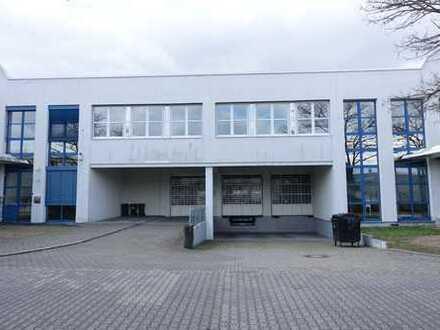 *KURZFRISTIGKEIT MGL. ca. 2.000 m² Hallenfläche mit modernen Büroflächen provisionsfrei zu vermieten