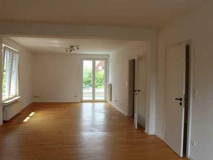 Vollständig renovierte Maisonette-Wohnung mit fünf Zimmern sowie 2 Balkonen in Münster