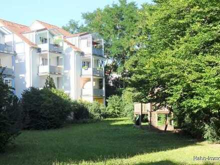 TOPGEPFLEGTE attraktive 4-Zi.-Wohnung mit Balkon, EBK, TG-Stellplatz und Stellplatz im Freien!!!