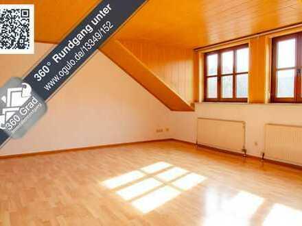 große, helle DG-Wohnung in guter Lage von Illschwang