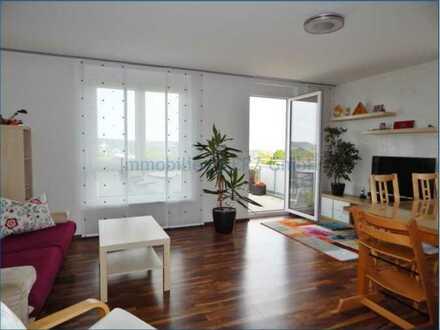 Gepflegte 4-Zimmer-Nichtraucher-Wohnung mit 2 Balkonen, traumhaftem Ausblick und EBK in Herrenberg