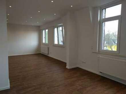 Exklusive, geräumige und neuwertige 3-Zimmer-Maisonette-Wohnung mit Balkon in Mannheim