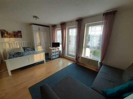 Attraktive 1-Raum-Wohnung mit EBK und Balkon in Randersacker