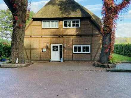 Reetdachhaus in Idyllischer Lage mögl. als zwei Fam. Haus