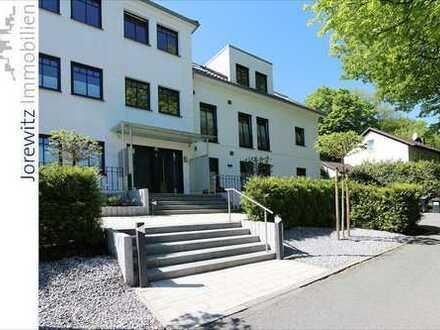 Bielefeld-Musikerviertel: Exklusive und sonnige 4 Zimmer-Wohnung mit Balkon, Fahrstuhl und Fernblick