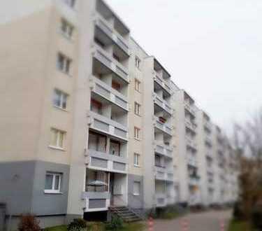 schöne Wohnung mit Balkon im besten Zustand + Aufzug!!!