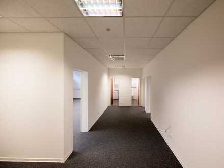 Ideale Büro/Praxisräume im sanierten Gewerbeobjekt