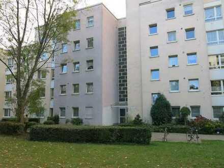 **3-Zimmer EG-Whg. mit Balkon** in Köln Porz-Finkenberg