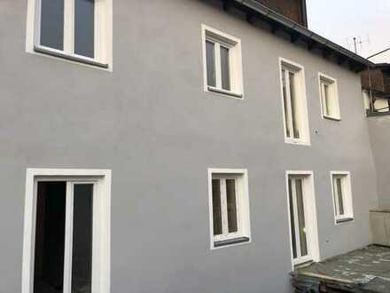3 Zi. Wohnung mit Dachterrasse - ERSTBEZUG nach Generalsanierung Stadtmitte