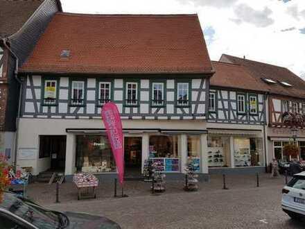 Im ZENTRUM von Seligenstadt, direkt am MARKTPLATZ, 1A Gewerbe-Objekt, Bezug nach Absprache.