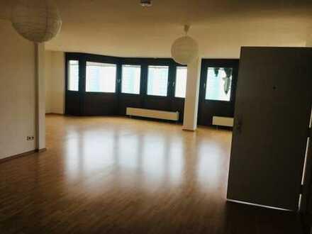 helle lichtdurchflutete 3-Zimmer-Wohnung in Mannheim