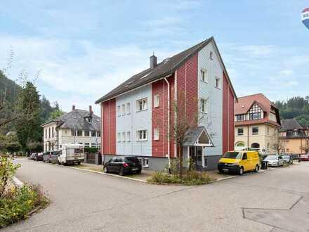 Ruhig und zentral gelegene 4-Zi-Wohnung mit Terrasse und Gartenanteil