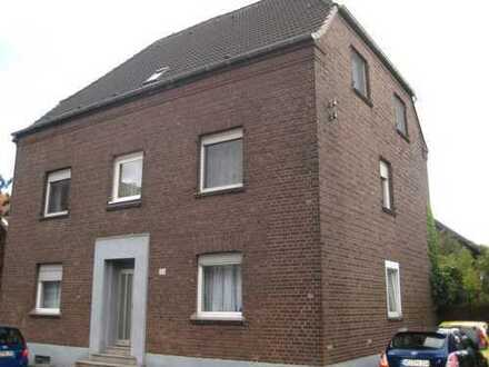 Große 4-Zimmer Dachgeschoss Wohnung in Schwafheim