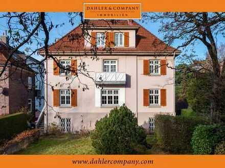 Sanierungsbedürftiges Herrenhaus als Mehrfamilienhaus