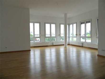 °°WHAT A FEELING°° Wohngenuss in Offenbach - lichtdurchflutete 2 ZKB, nur 10 Automin. bis Ffm
