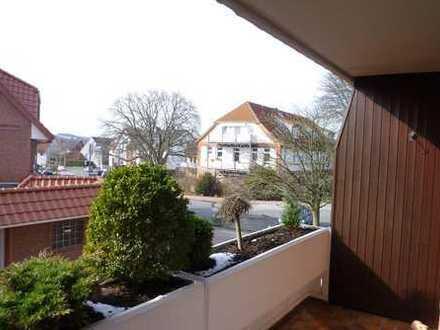 Wunderschöne, helle 2 ZKB, 1. OG, Parkett/Fliesen, Balkon, provisionsfrei